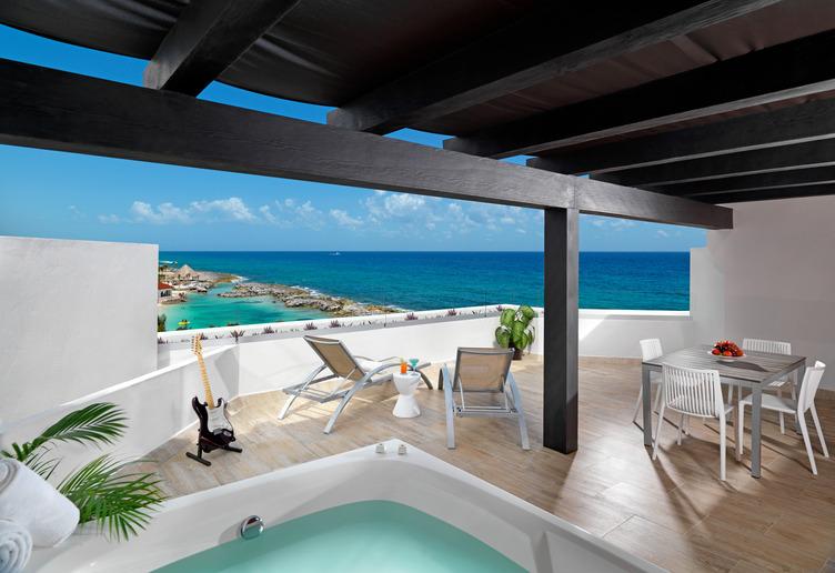 HRHRM Hacienda - Deluxe Sky Terrace (One Bedroom) - Terrace