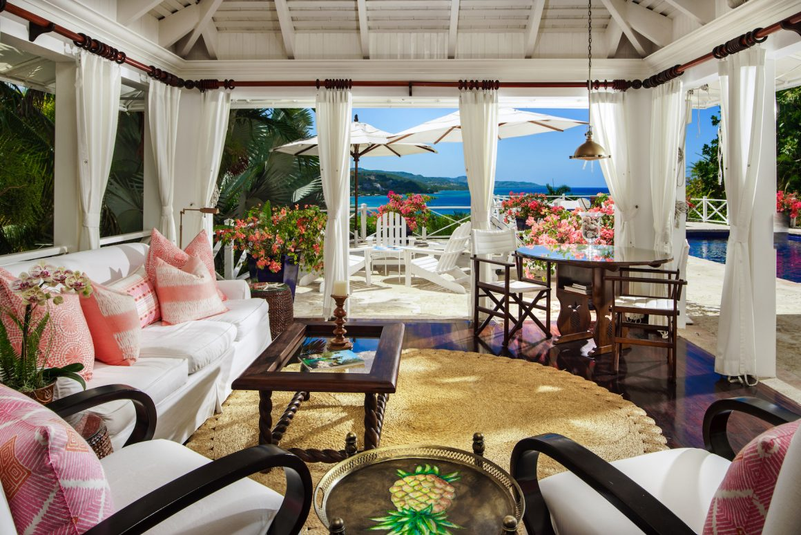 Round Hill Master Villa Suite Living Room