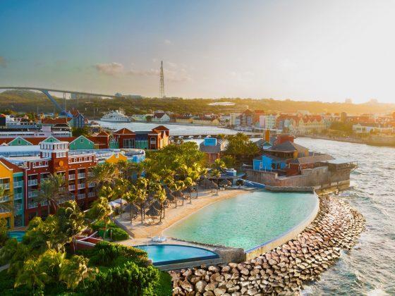 Renaissance Curaçao Resort Infinity Beach