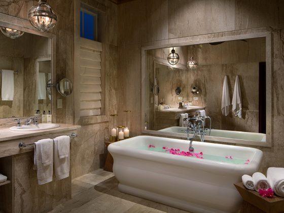bonhomme-luxury-suite-bathroom_1200