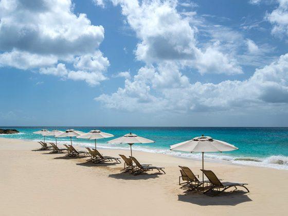 q-hotel-private-beach_1200